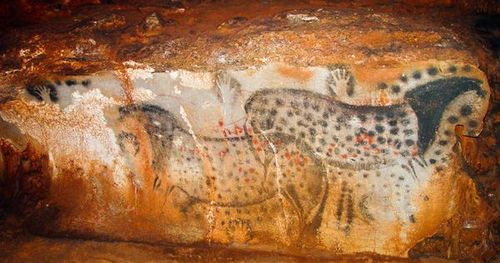 Pech-merle-spotted-horses-mural_10134_600x450