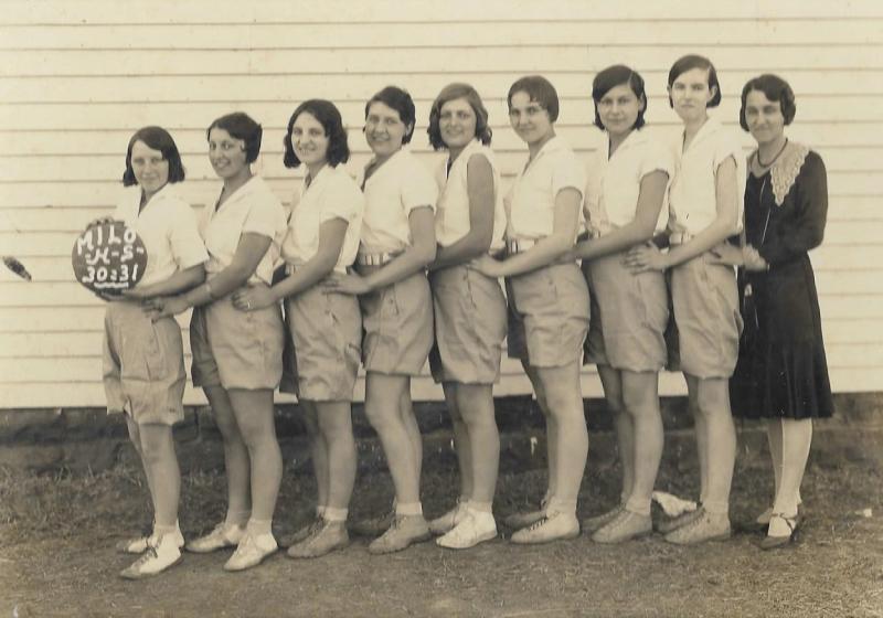 1930 - Milo HS Basketball Team & Coach